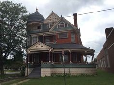 1892 Queen Anne located at: 255 E Mansfield St, Bucyrus, OH 44820