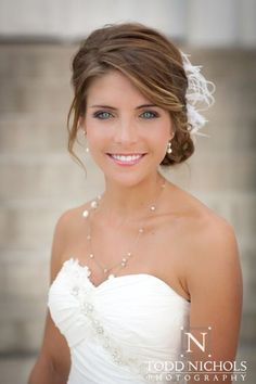 Unique wedding hairstyles with bangs probably the best, they are simple and sophisticated and look good on almost all types of hair. Bridal hairstyles with bangs look fabulous with curls, waves, ac… Bridal Hair Side Swept, Bridal Hair Half Up, Boho Bridal Hair, Bridal Hair Buns, Bridal Hair Flowers, Bridal Updo, Hair Wedding, Gown Wedding, Wedding Cakes