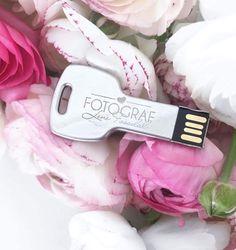 Beautiful USB key to my wedding clients 💖🌷 Usb, Wedding, Beautiful, Casamento, Weddings, Marriage, Mariage