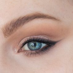 Step-by-Step Soft Smoky Liner Glamorous Eye shadow Tutorial │ Capsule Makeup Collection — rebeccakshores.com