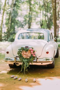 Don't stick with the usual kind of wedding transport. We've got plenty of ideas of cool ways to get to your wedding, including vintage buses, VW campervans, black cabs, mustangs and more. Not sure what kind of wedding car to get? Read this first. Wedding Trends, Trendy Wedding, Wedding Designs, Unique Weddings, Wedding Blog, Wedding Ideas, Wedding Car Decorations, Wedding Cars, Cars