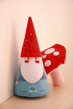 Oh my goodness I have such an unnatural love of gnomes and their little mushroom buddies! Christmas Sewing, Noel Christmas, All Things Christmas, Christmas Ornaments, Father Christmas, Christmas Projects, Felt Crafts, Holiday Crafts, Illustration Noel