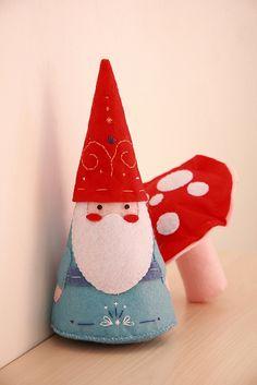 Gnome & Mushroom