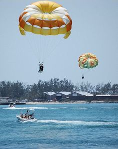 Key West Parasailing Hang Gliding Friends Getaway Beach Activities S Excursions