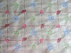 Make homemade gift wrap for spring with this Designer Floral Gift Wrap tutorial. Turn ordinary unprinted newsprint paper into designer gift wrap with this expressive art project. You will create gift wrap that will make the recipient feel spoiled. Expressive Art, Homemade Gifts, Art Projects, Paper Crafts, Gift Wrapping, Creative, Floral, Cards, How To Make
