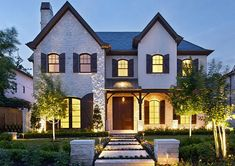 Looking for a home in the Houston, TX area? Greenwood King has luxury home listings and property for sale! Texas Homes, Southern Homes, Home Finder, Custom Built Homes, River House, Types Of Houses, Luxury Real Estate, Renting A House, Open House