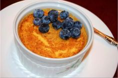 Low Carb Creme Brulee need to look up metric and convert Paleo Keto Recipes, Banting Recipes, Diabetic Recipes, Low Carb Recipes, Banting Diet, Lchf, Paleo Dessert, Healthy Desserts, Dessert Recipes