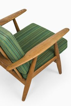 Hans Wegner Cigar easy chairs in oak by Getama at Studio Schalling
