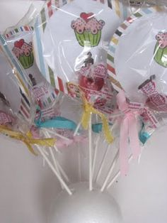 lolly-pop party invites.