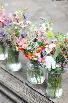 Flower centrepieces | Outdoor Dining Inspiration