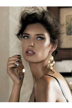 Bianca Balti par Giampaolo Sgura pour Vogue Paris - Décembre / Janvier 2012 http://www.vogue.fr/photo/le-portfolio-de/diaporama/giampaolo-sgura-en-images/7054#vogue-paris-decembre-janvier-2012