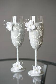 Set of Two Grey Wedding Glasses with flowers, Hand-decorated, Wedding Toasting Glasses - Wedding Decoration - Handmade Wedding Favor Set of Two Grey Wedding Glasses with flowers, Hand-decorated, Wedding Toasting Glasses - Wedding Decoration - Handmade Wedding Favor Set of Two Grey Wedding Glasses with flowers, Hand-decorated, Wedding Toasting Glasses - Wedding Decoration - Handmade Wedding Favor Set of Two Grey Wedding Glasses with flowers, Hand-decorated, Wedding Toasting Glasses - Wedding… Wedding Toasting Glasses, Wedding Champagne Flutes, Champagne Glasses, Handmade Wedding Favours, Wedding Favors, Wedding Decorations, Second Weddings, Gray Weddings, Silver Color
