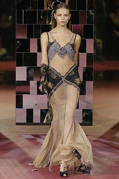 Dolce & Gabbana Fall 2004 Ready-to-Wear - Collection - Gallery - Style.com
