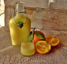 Liquore crema di arance Making Limoncello, Spirit Drink, Homemade Liquor, Vodka, Beautiful Fruits, Wine And Liquor, Smoothie Drinks, Italian Dishes, Chef Recipes