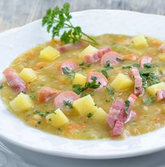 This is a yummy sausage and potato soup that is warming an filling on a cool day. Sausage and Potato Soup Recipe from Grandmothers Kitchen. Ham Soup, Potato Soup, Chowder Recipes, Soup Recipes, Kitchen Recipes, Cooking Recipes, Grandmothers Kitchen, Soup And Salad, Soups And Stews