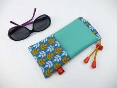 Etuis à lunette femme bleu turquoise motif feuille : Etuis, mini sacs par d-balzan