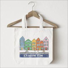"The Savannah Bag Company ""Rainbow Row Charleston"" Tote #savannahbagcompany #tote #totebag #shoplocal #etsyseller #charleston #charlestonsc #rainbowrow #charlestongifts #charlestonbride #charlestonvisitor www.savannahbag.com"