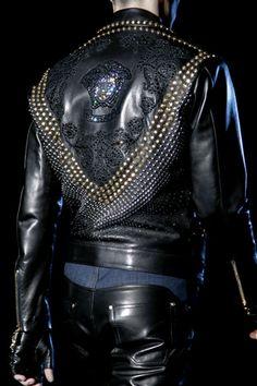 Milan:Versace Fall 2012 Menswear