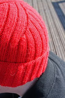 Ravelry: Jacques Cousteau Hat pattern by Lalla Pohjanpalo Beanie Knitting Patterns Free, Loom Knitting, Knit Patterns, Free Knitting, Knitting Machine, Jacques Cousteau, Knit Crochet, Crochet Hats, How To Purl Knit