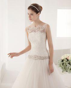 8B128 PAPUA | Wedding Dresses | 2015 Collection | Alma Novia | Shown with detachable sleeveless Lace Jacket (close up)