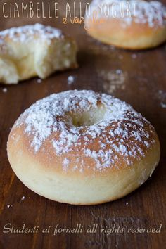 Impasto base pan brioche allo yogurt_R Baked Donut Recipes, Baked Donuts, Delicious Desserts, Dessert Recipes, Yummy Food, Italian Desserts, Italian Recipes, Churros, Sweet Bread
