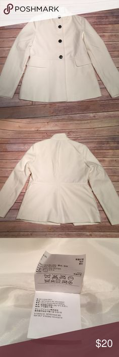 Old Navy - White/Cream Pea Coat Olivia pope inspired pea coat. Only wore once. Like new. Excellent condition. *Bundle and SAVE. Old Navy Jackets & Coats Pea Coats