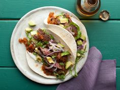 Skirt Steak Tacos with Roasted Tomato Salsa Recipe : Bobby Flay : Food Network - FoodNetwork.com