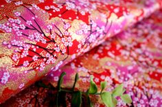13R Little Sakura Branches Japanese Fabric  by AtelierLiaSan, €4.50