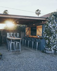 Backyard Brewery Beer Shed / Outdoor Patio Decor Where better to hang out with friends over a specia Outdoor Garden Bar, Garden Bar Shed, Diy Outdoor Bar, Backyard Bar, Backyard Sheds, Patio Bar, Outdoor Sheds, Outdoor Kitchen Bars, Outdoor Kitchens
