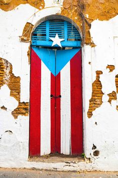 33 of 35 So when you see something like this, you feel pride well up in your heart. | 35 Things Puerto Ricans Know To Be True 35 Things Puerto Ricans Know To Be True Take a trip to Puerto Rico. From salsa and bomba y plena to the coqui, mofongo, bioluminescent bays, Old San Juan, and everything else that makes you proud to be Boricua.                                                                                                                                                      More