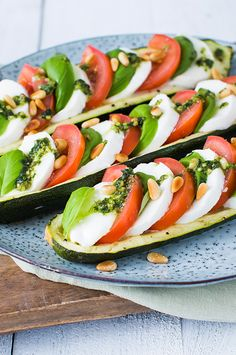 Salade Caprese, Real Food Recipes, Healthy Recipes, Macro Meals, Good Food, Yummy Food, Summer Recipes, Food Inspiration, Brunch