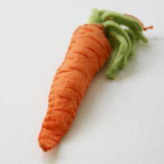 felt & stitches carrot