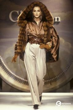 Image from object titled 'Christian Dior, Autumn-Winter Couture' Christian Dior Vintage, Vintage Dior, Vintage Fashion, Couture Mode, Dior Couture, Couture Fashion, Fur Fashion, Womens Fashion, Versace