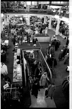 Liverpool - Great Charlotte Street - Blacklers - Shop Floor and Escalator