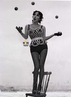 Vogue Korea Title: Show Girl Model: Lee Hyori Photographed by Hong Jang Hyun May 2013 1940s Fashion, Love Fashion, Fashion Art, Vintage Fashion, Korean Women, Korean Girl, Asian Girl, Korean Style, Lee Hyori