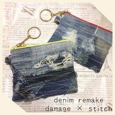 デニムリメイク★☆ミニポーチ ダメージ × ステッチ ★(♡´ ³`)♡♡♡ᵀᴴᴬᴺᴷ ᵞᴼᵁ sold out♥ デニムのダメージとぼそぼそたっぷりのフラットタイプのミニポーチ 色々なデニムを無造作にジグザグステッチで縫い付けました。 ミニサイズですが、とてもしっかりしています。 カードや、コインケースとして、、、 くらいのサイズ感です。 イエローファスナー、チェリーピンクファスナーの2タイプ❤️ 使用していくうちにさらにぼそぼそしていい感じになるかな~ ★フォロワー様限定 コメント先着順でお譲り先募集中です。 ご希望のファスナーのカラーをコメントしてくださいね。 サイズ イエロー 約12.5cm×約10.5cm ピンク 約12.5cm×約9.5cm price ☆★☆★ ラクマ、ゆうちょ、 メルカリは+手数料です。 内側はデニム無地です。 キーリング付き usedデニムを使用しています。 デニムリメイク、ハンドメイドにご理解ある方のみよろしくお願いいたします。 #デニムリメイク#リメイク#リメイクデニム#デニムポーチ#ミニポ...