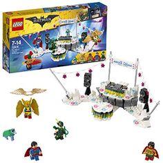 LEGO The Batman Movie 70919 - The Justice League Anniversary Party, Spielzeug Batman Film, Superman, Lego Batman Movie, Legos, Toys For Girls, Kids Toys, Lego Dc Comics, Lego Scooby Doo, Lego Age