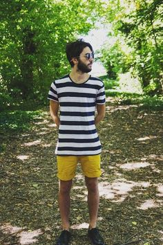 Men's Navy and White Horizontal Striped Crew-neck T-shirt, Yellow Shorts, Black Leather Oxford Shoes Mens Yellow Pants, Yellow Shorts, Black N Yellow, Navy And White, Urban Outfits, Men Looks, Comfortable Outfits, Dress Codes, Neck T Shirt
