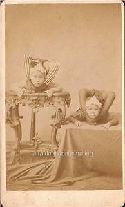 Contortionists 1880 vast net als ik ehler danlosjes . Vintage Photographs, Vintage Photos, Steampunk Circus, Human Oddities, Clowning Around, Contortionist, Vintage Circus, Sideshow, Vintage Posters