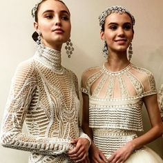 We continue our look at the best collections of Bridal Market, with the Naeem Khan wedding dress collection for Luxurious, opulent, and so romantic. Naeem Khan Wedding Dresses, Naeem Khan Bridal, Spring 2017 Wedding Dresses, Bridal Dresses, Flapper Dresses, Style Couture, Couture Fashion, Elie Saab, Bridal Musings