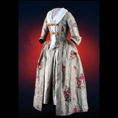 Gown of brocaded damask circa 1750-1765. Colonial Williamsburg Museum Collections.
