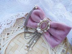Брошь бант С розовым Кварцем и жемчужными подвесками - брошь,брошка,брошь бант