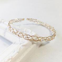 いいね!40件、コメント1件 ― Chan-Na*さん(@chan_na_made)のInstagramアカウント: 「パールのシンプルバングル.+* * パールをゴールドのワイヤーで編み込んだ、大人っぽく華奢なデザインのバングルです(*´˘`*)♡ * よろしければ覗いてみてください☺️✨✨↓…」