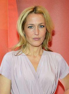 Gillian Anderson Medium Layered Cut - Medium Layered Cut Lookbook - StyleBistro