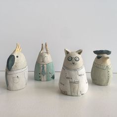 These expressive figurines all have stories to tell representing parts of the artist's life and the people she has met @yen.yen.lo is a perceptive and talented maker mixing assured mark making with a talent for interpreting emotion and character through sculpture.