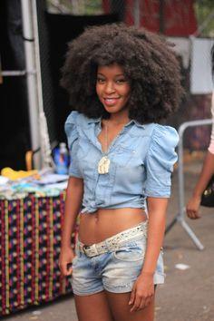 blackandkillingit:    kinks-n-curls:    (via aagdolla)    Black Girls Killing ItShop BGKI NOW