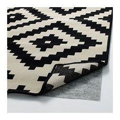 Besonders geeignet für Wohnzimmer oder unter Esstischen. Stühle lassen sich auf der glatten Oberfläche gut bewegen, das Staubsaugen wird erleichtert.