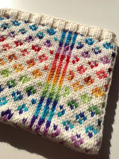 Ravelry: Fair Isle using solid white with a variegated yarn Knitting Charts, Baby Knitting Patterns, Stitch Patterns, Knitting Projects, Knitting Ideas, Space Images, Lana, Ravelry, Knit Crochet