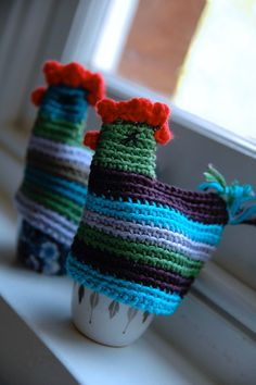 folk art-sy chickens.....no pattern but don't think you'd need one...maybe? I love them !