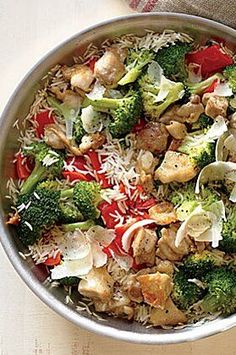Chicken, Rice, and Parmesan Skillet is perfect for a sunny weekend al fresco lunch or dinner—and it's ready in just 20 minutes.#easyrecipes #quickeasyrecipes #quickrecipes